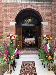 Daily Mass Altar